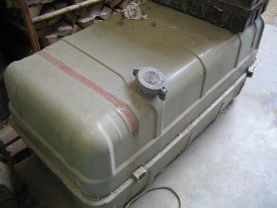 lkw kraftstofftank heba reifen u kfz handel lkw verwertung. Black Bedroom Furniture Sets. Home Design Ideas