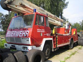 Steyr 890, FF-Gelenkbühne 31x3m - HEBA LKW Verwertung in Mistelbach bei Wels