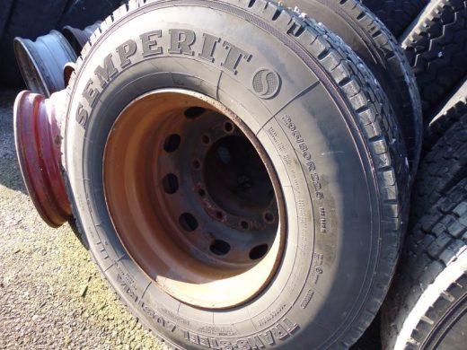 gebr. LKW-Reifen 295/80R22,5 bei HEBA - Reifen in Mistelbach bei Wels