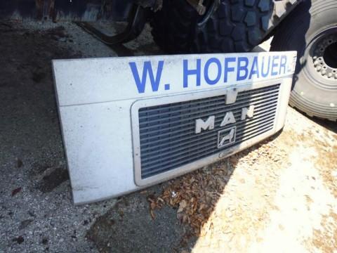 Motorhaube bei HEBA - Reifen in Mistelbach bei Wels