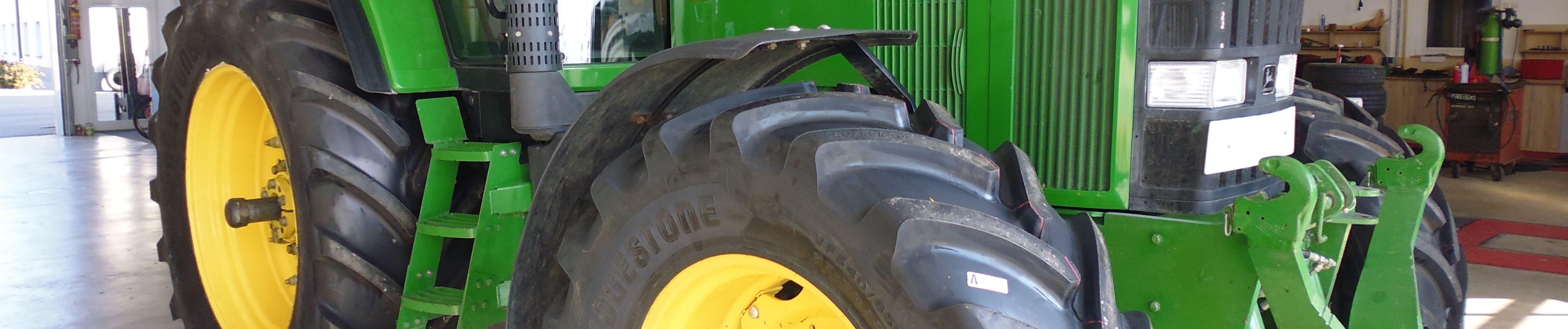 Traktorreifen bei HEBA-Reifen in Mistelbach bei Wels