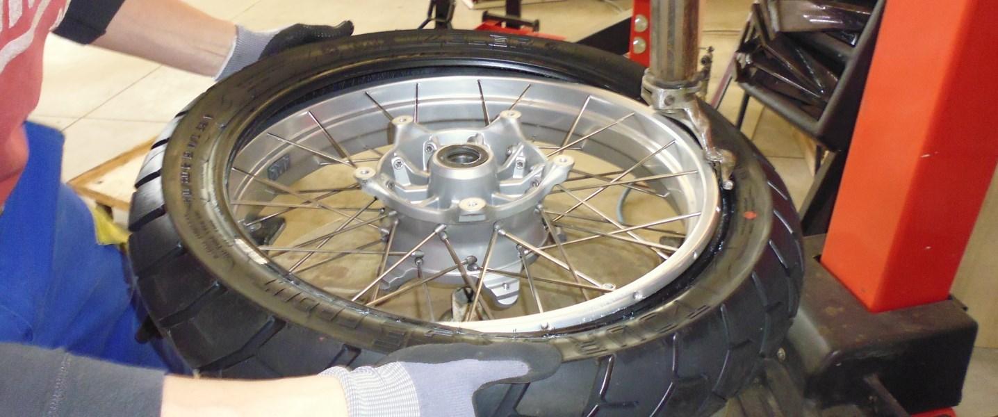 Motorrad Reifen bei HEBA-Reifen in Mistelbach bei Wels