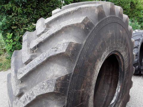 Reifen 28.1R26 bei HEBA-Reifen in Mistelbach bei Wels
