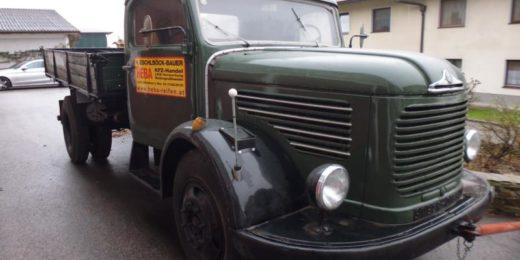 Steyr 380 Kipper bei HEBA-Reifen in Mistelbach bei Wels