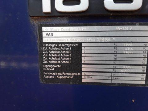 Steyr 18S28 mit LBW bei HEBA-Reifen in Mistelbach bei Wels