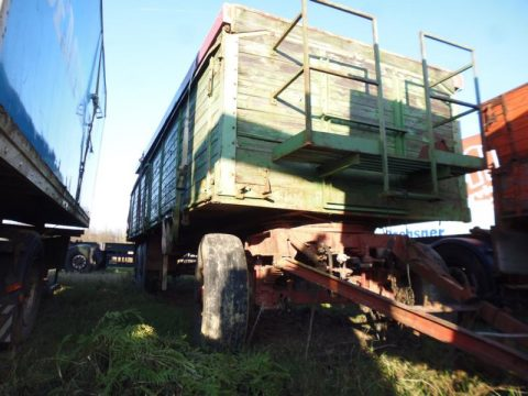3-Achs-Anhänger bei HEBA-Reifen in Mistelbach bei Wels