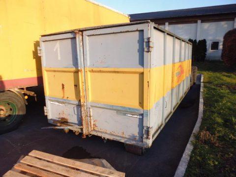Absetzcontainer bei HEBA-Reifen in Mistelbach bei Wels